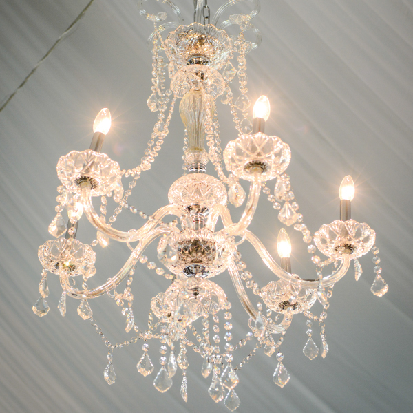 6 Bulb Crystal Chandelier Abc Rentals Midwest